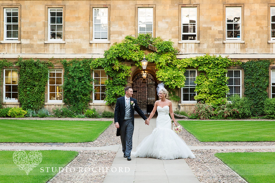 Trinity Hall Cambridge courtyard wedding